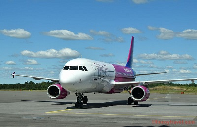 Wizz Air A320 at Turku International Airport